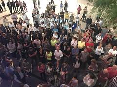 Escoltant el ple municipal a la Plaça de la Vila. Mai vist fins ara. #pletiana #Tiana #latianaquemagrada #referèndum