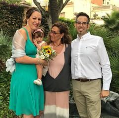 Visca els núvis! ❤️ Avui, al jardí romàntic de la Lola Anglada. En un raconet ple d'història i emocions.
