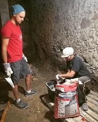 Mixing lime mortar