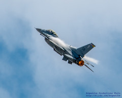 F-16 PULLING UP WITH BURNER ON!