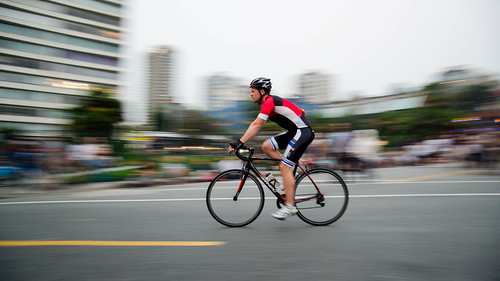 bike rider beachave vancouver freezeframe stopmotion blur nikon d7000 downtown dslr panning effect