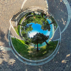 "Garda - Little Planet • <a style=""font-size:0.8em;"" href=""http://www.flickr.com/photos/58574596@N06/36317700610/"" target=""_blank"">View on Flickr</a>"