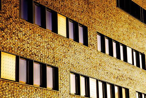 "Moderne Architektur in Lübeck • <a style=""font-size:0.8em;"" href=""http://www.flickr.com/photos/91404501@N08/26259586959/"" target=""_blank"">View on Flickr</a>"