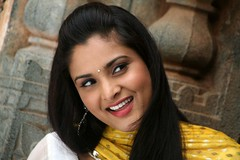 Indian Actress Ramya Hot Sexy Images Set-1 (31)