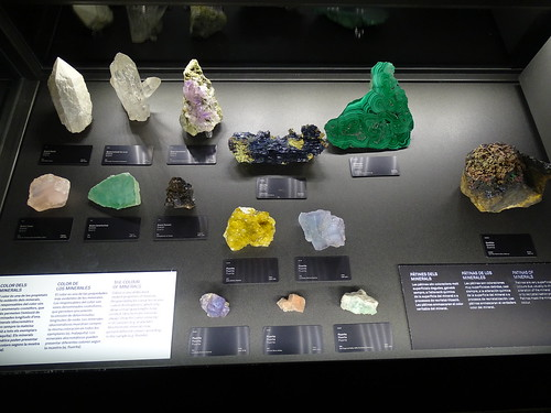 """Museu Blau Barcelona Minerals • <a style=""""font-size:0.8em;"""" href=""""http://www.flickr.com/photos/160223425@N04/38807363721/"""" target=""""_blank"""">View on Flickr</a>"""