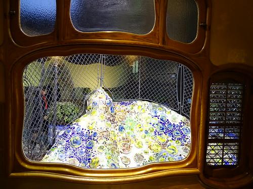 "Casa Batlló Gaudi Barcelona • <a style=""font-size:0.8em;"" href=""http://www.flickr.com/photos/160223425@N04/27032484819/"" target=""_blank"">View on Flickr</a>"