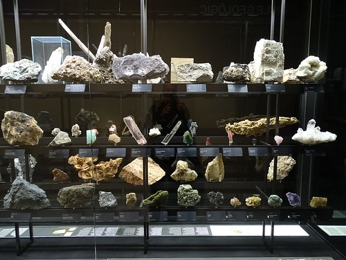 """Museu Blau Barcelona Minerals • <a style=""""font-size:0.8em;"""" href=""""http://www.flickr.com/photos/160223425@N04/27031978449/"""" target=""""_blank"""">View on Flickr</a>"""