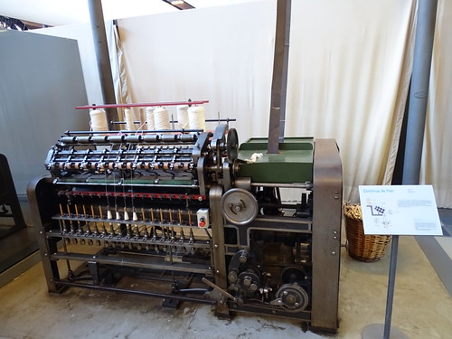 "textile maschine terrassa • <a style=""font-size:0.8em;"" href=""http://www.flickr.com/photos/160223425@N04/27030127259/"" target=""_blank"">View on Flickr</a>"