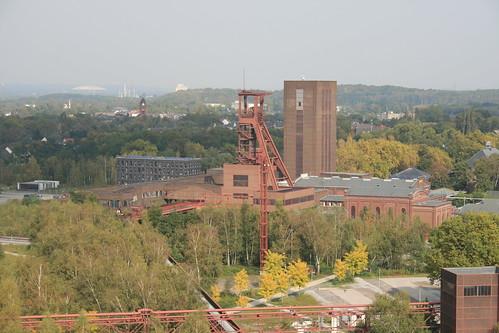 "Zeche Zollverein • <a style=""font-size:0.8em;"" href=""http://www.flickr.com/photos/160223425@N04/38182040164/"" target=""_blank"">View on Flickr</a>"