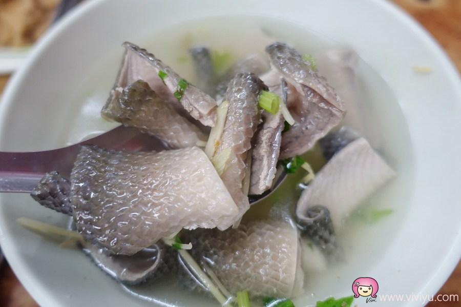 [台中美食]台南蘇虱目魚.消夜場銅板美食~肉燥飯.爌肉飯.小菜滿滿一桌 @VIVIYU小世界