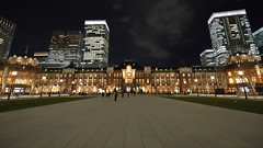 Tokyo Station w/ its recently renewed Marunouchi square