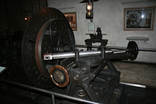 """Deutsches Museum Transmission Maschine • <a style=""""font-size:0.8em;"""" href=""""http://www.flickr.com/photos/160223425@N04/38028481185/"""" target=""""_blank"""">View on Flickr</a>"""