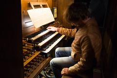 Simon Stelling bespeelt het Cavaillé-Coll orgel te Caen.