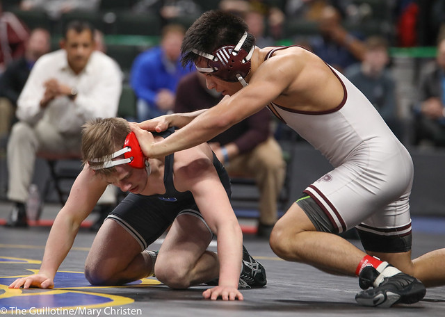 1st Place Match - Jake Gliva (Simley) 48-6 won by decision over Lorenzo Diaz (South Saint Paul) 51-5 (Dec 11-5). 180303CMC6614