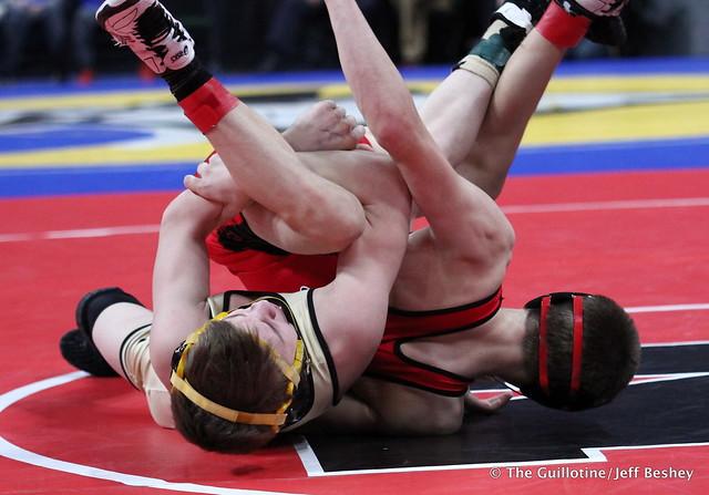 Semifinal - Ben Lunn (Shakopee) 40-6 won by decision over Ryder Rogotzke (East Ridge) 47-6 (Dec 5-1). 180303AJF0071