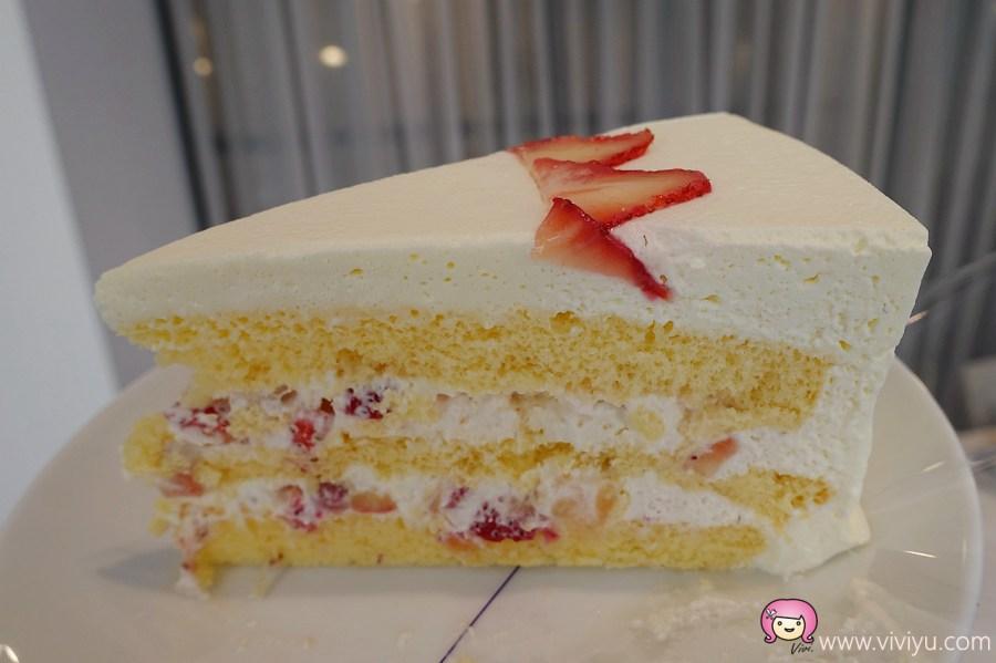 [台北美食]Lady M Taiwan.台北旗艦店~來自紐約奢華甜點.冬季甜蜜草莓季限定版蛋糕 @VIVIYU小世界