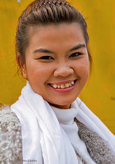 """Girl in Hoi An • <a style=""""font-size:0.8em;"""" href=""""http://www.flickr.com/photos/23163398@N00/25835785688/"""" target=""""_blank"""">View on Flickr</a>"""