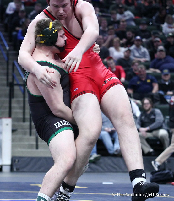 3rd Place Match - Dillon McEachran (Faribault) 38-6 won by decision over Bryce Benhart (Lakeville North) 42-7 (Dec 3-2). 180303BJF0391