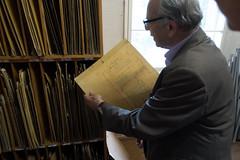 Paul Steinmeyer zoekt de originele stukken van het Alphense Steinmeyer-orgel op.