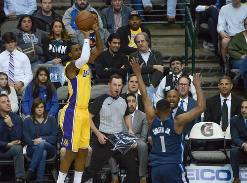 """Los Angeles Lakers vs Dallas Mavericks • <a style=""""font-size:0.8em;"""" href=""""http://www.flickr.com/photos/10266314@N06/25837599168/"""" target=""""_blank"""">View on Flickr</a>"""