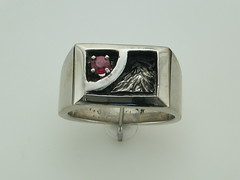 The Rockies SS gent's ring with 3.5 mm reddish orange sapphire  1 peak