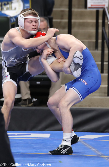 Semifinal - Jake Gliva (Simley) 48-6 won by decision over Tyler Shackle (Scott West) 42-13 (Dec 14-7). 180303AMC5239