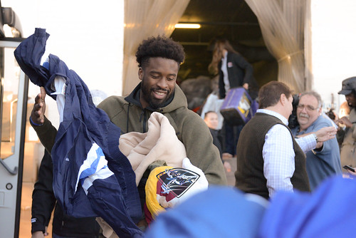 """Wesley Matthews and Mavs Assist Local Shelter • <a style=""""font-size:0.8em;"""" href=""""http://www.flickr.com/photos/10266314@N06/39628993052/"""" target=""""_blank"""">View on Flickr</a>"""