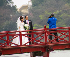 """Bridal couple in Hanoi • <a style=""""font-size:0.8em;"""" href=""""http://www.flickr.com/photos/23163398@N00/40722965102/"""" target=""""_blank"""">View on Flickr</a>"""