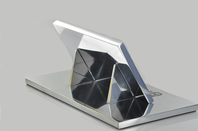 statuetka polerowane aluminium (4)