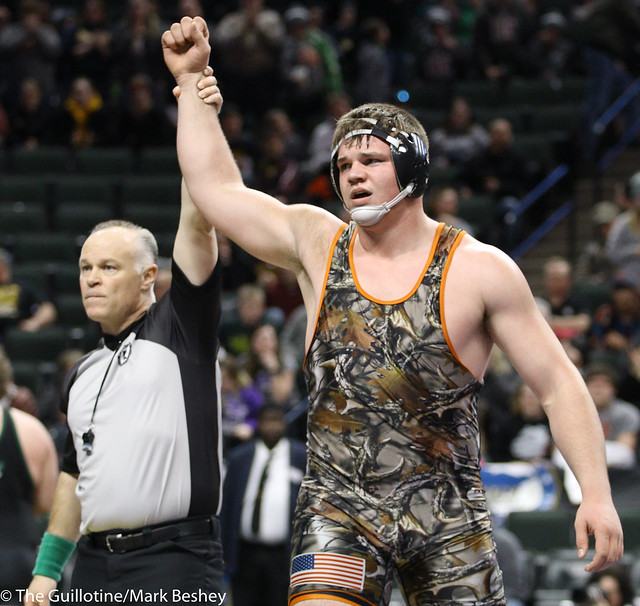 285A 1st Place Match - Craig Orlando (Bertha-Hewitt-Verndale-Parkers Prairie) 42-3 won by major decision over Tanner Tappe (Frazee) 28-6 (MD 12-2) - 180303cmk0474