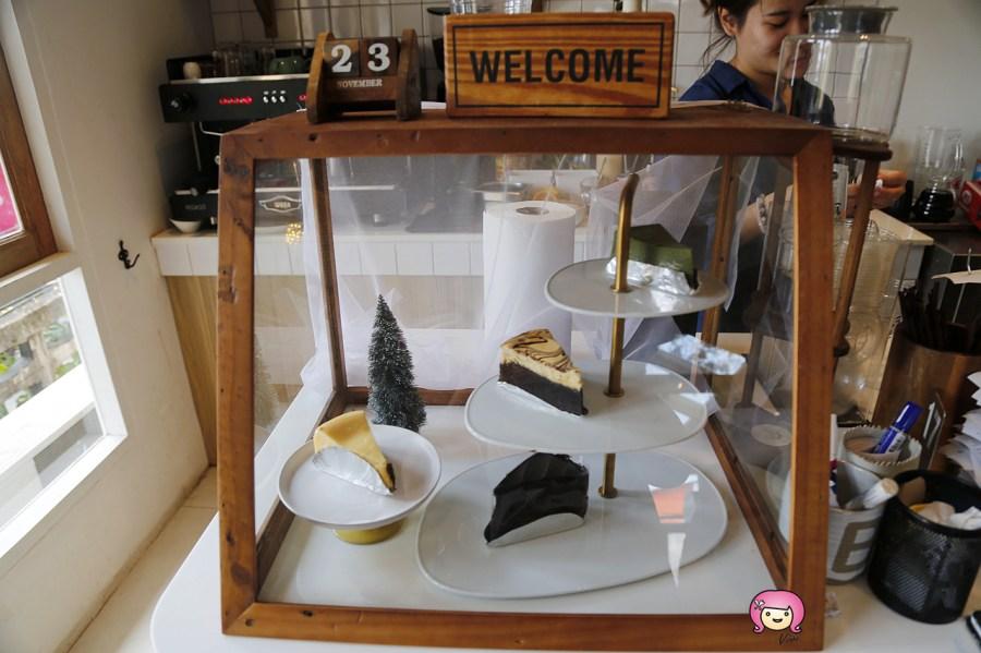 [清邁美食]尼曼區冰品│奇維奇娃 – Cheevit Cheeva清邁總店~森林系透明玻璃屋.芒果糯米冰入口即化滿滿牛奶香 @VIVIYU小世界