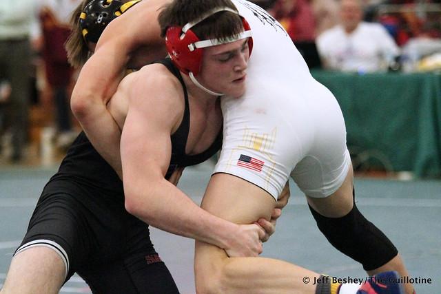 132 Semifinal - Ryan Sokol (Simley) 13-0 won by decision over Mitchel Petersen (Byron) 10-2 (Dec 7-3). 181215AJF0307