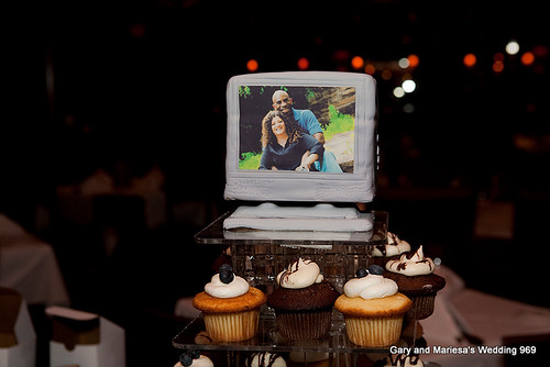 The TV Cake-topper