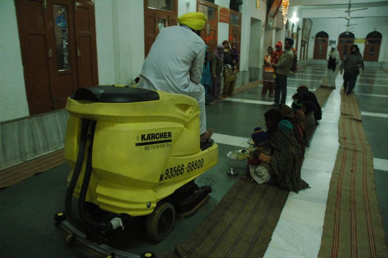 Cleaning : At least one place where Kar Sevaks' have yielded to automation