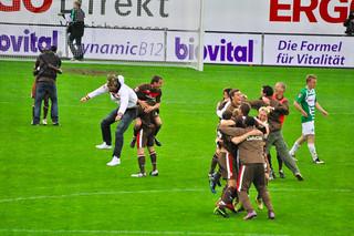 Fürth vs. St. Pauli 1:4 -> Aufstieg