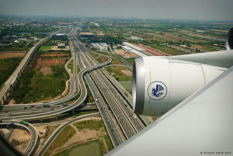 A340 over Bangkok