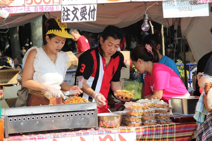 préparation mets festival thai osaka