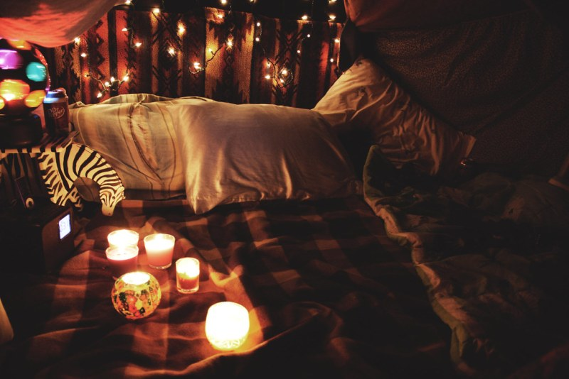 How I Used A Pillow Fort To Propose To My Boyfriend Offbeat Bride