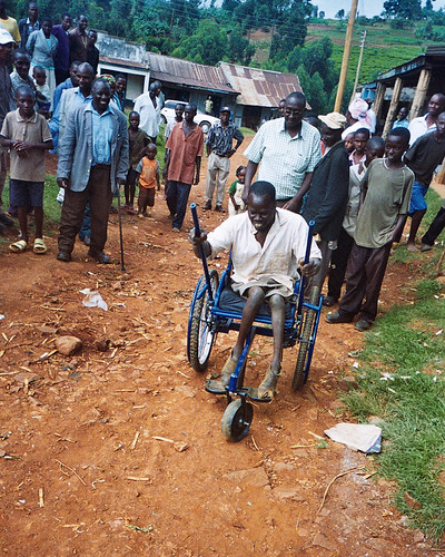 leveraged wheelchair kenya 8 by Engineering for Change CC Flickr