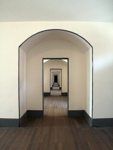 Perpetual hallway