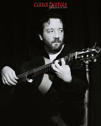 Vaky Losada a la guitarra. Foto: Martín Guerrero