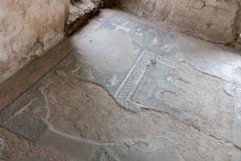 Er was ook een badhuis bij, met deze mozaïeken op de vloer.