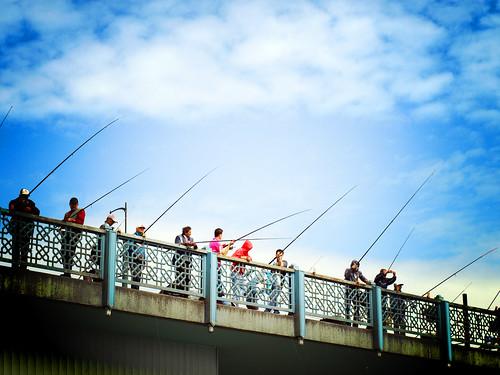 Pescando en galata köprüsü