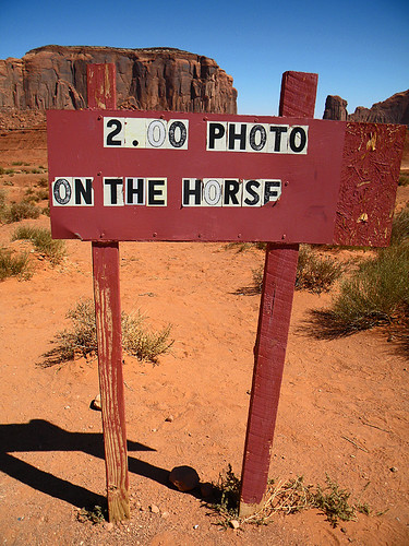 2 dollar photo on the horse