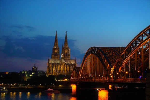 Kölner Dom and Hohenzollern Bridge at dusk