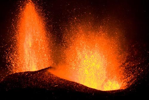 Volcanic eruption at Fimmvörðuháls