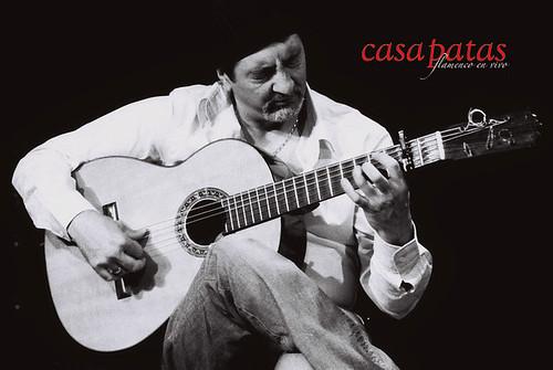 Diego Losada a la guitarra en Casa Patas. Foto: Martín Guerrero