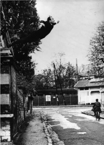 Yves Klein - Leap Into The Void / Le Saut Dans Le Vide (1960)