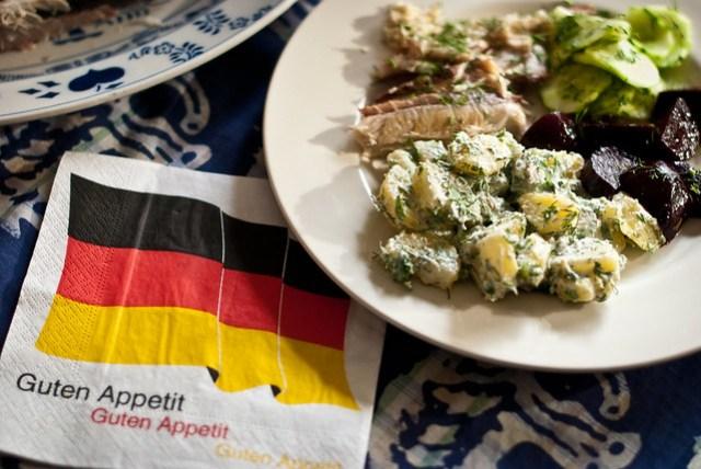 Wat aten zij @ Ein Topf Heimat: Kartoffelsalat met haring