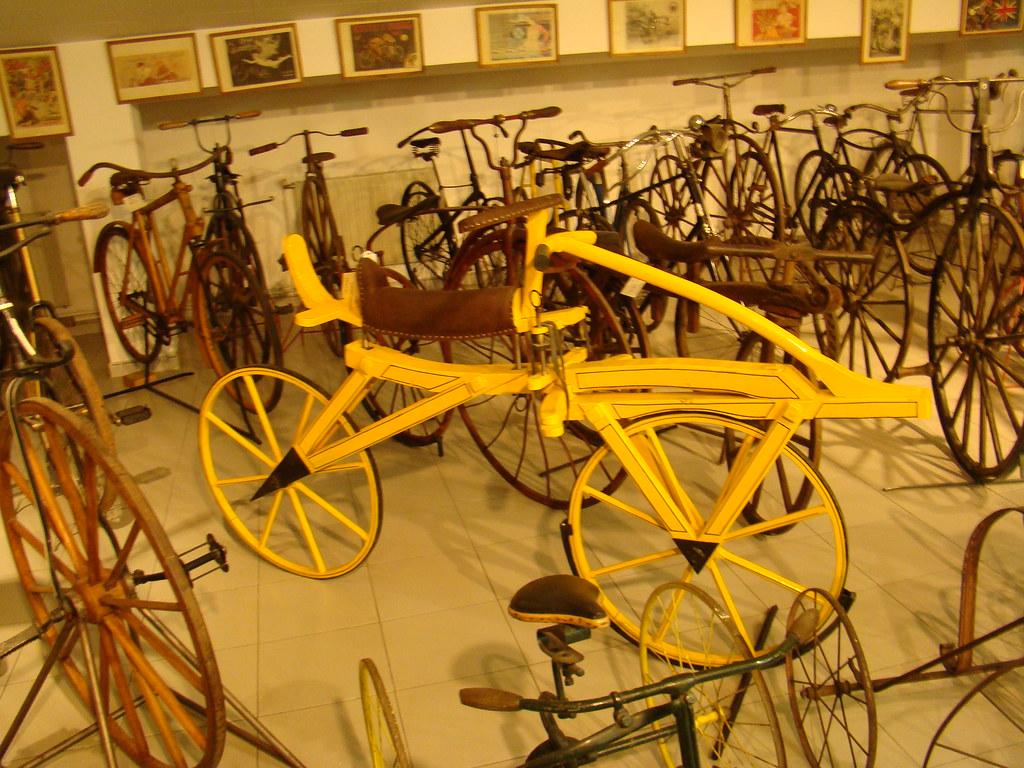Andorra bicicletas antiguas Museo Nacional del Automovil 08